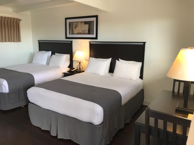 HANDICAP ROOMS 2 DOUBLE BEDS